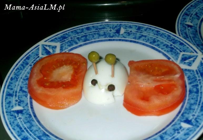 Jajko wielkanocne, czyli pomysł na śniadanie dla dziecka motyl z jaja