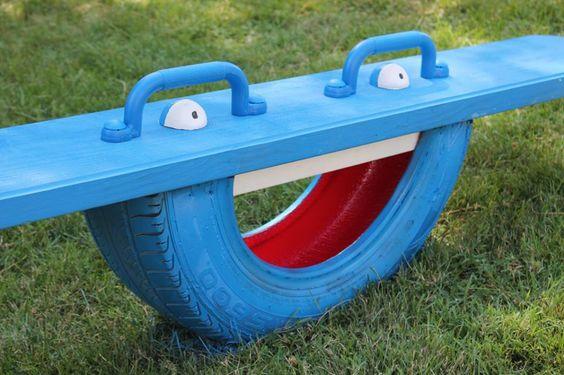 huśtawka z opony dla dzieci niebieska