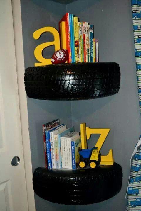 ozdoby z opon w pokoju dziecięcym półka